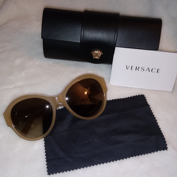 5fa5c6165060 Versace Accessories - Versace Sunglasses Like New